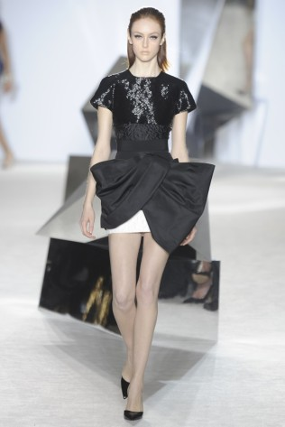 GIAMBATTISTA VALLI Haute Couture S:S 2014 Paris 12