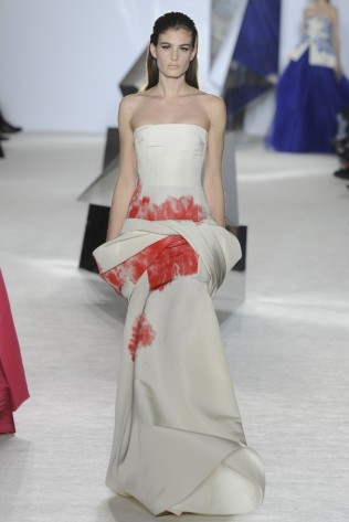 GIAMBATTISTA VALLI Haute Couture S:S 2014 Paris 31