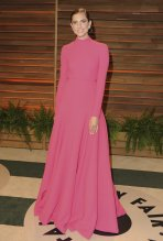 Allison Williams showed off her new engagement ring in Emilia Wickstead {Vanity Fair Oscar Party}