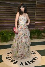 Zooey Deschanel in Oscar de la Renta {Vanity Fair Oscar Party hosted by Graydon Carter}