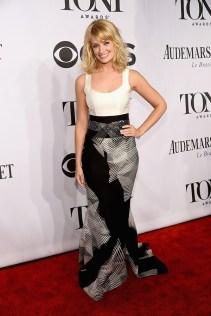 Beth Behrs in Carolina Herrera, arrives at the 2014 Tony Awards Red Carpet.
