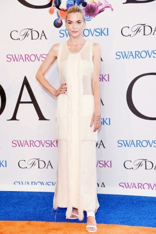 Jaime King - Calvin Klein Collection ivory silk threaded evening dress from the S:S 14 collection; Ana Khouri white gold Laura hand bracelet and the white gold Laura ear cuff.